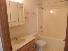 Real Estate - 502 504 Meadowcrest, Kirksville, Missouri - Bathroom