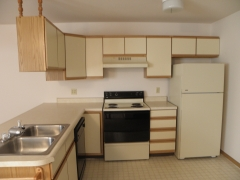 Real Estate - 502 504 Meadowcrest, Kirksville, Missouri - Kitchen
